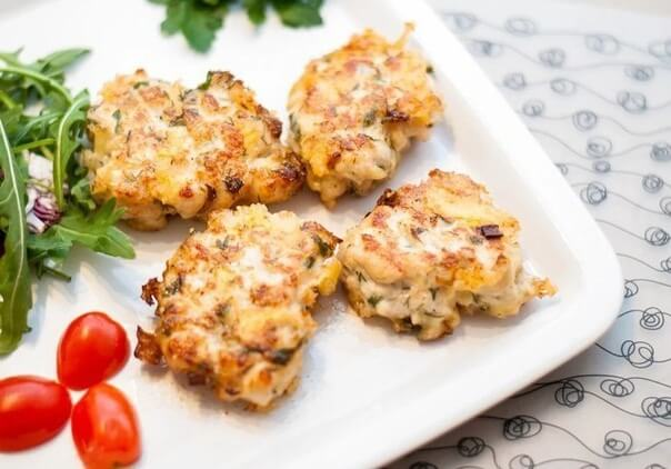 Куриные отбивные под кабачком и под сыром