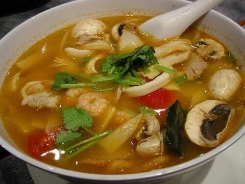 Японский суп с мясом курицы