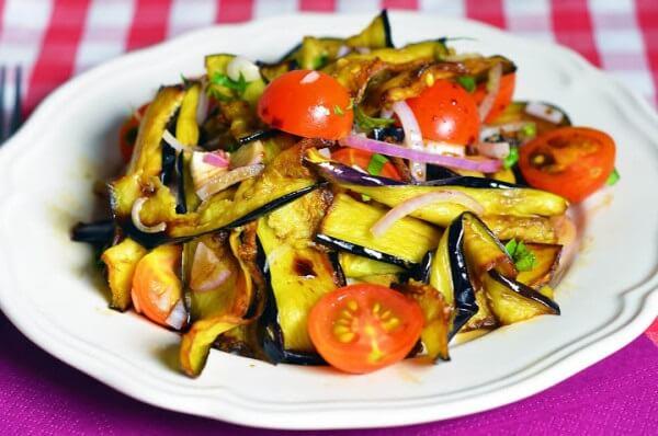 Салат из баклажанов в мультиварке