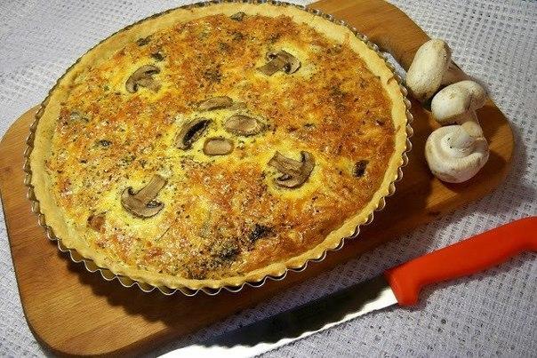 Вкусный пирог с курицей и шампиньонами