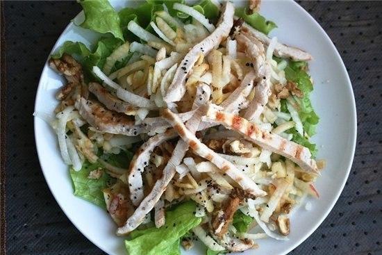 Куриный салатик на ужин