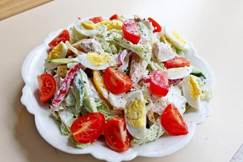 Салат с куриной грудкой наслаждение