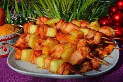 Шашлык в духовке из курицы и ананасов