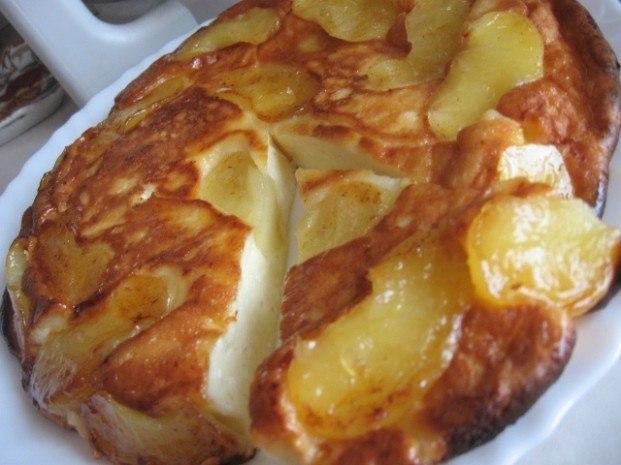 Яблочная запеканка с ароматом корицы