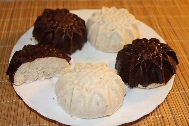 Бананово-кокосовый десерт в горьком шоколаде