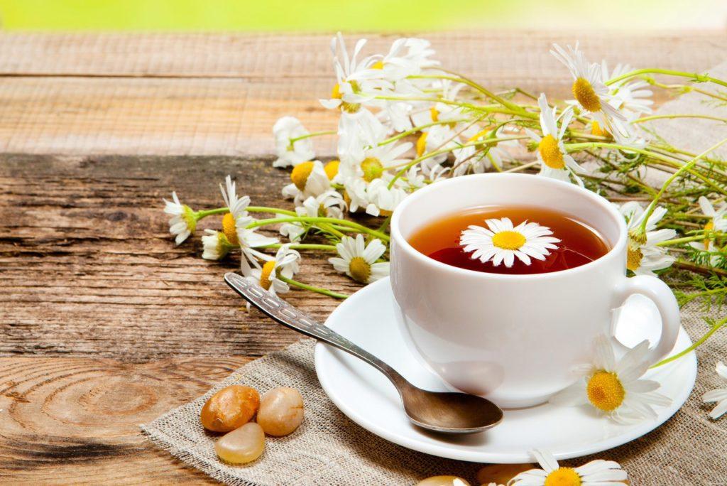 Ромашковый чай с бузиной и клюквой
