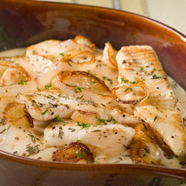 Рыба запеченная в соусе