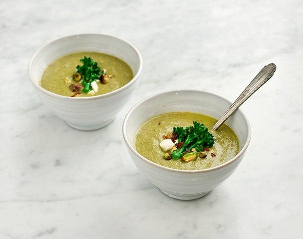 Суп из брокколи и фисташками