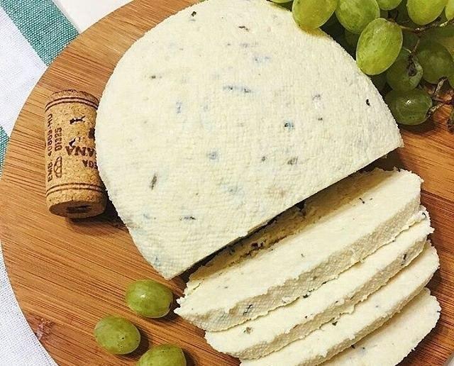 Рецепт невероятно вкусного домашнего сыра