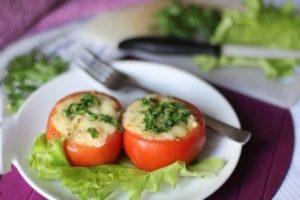 фаршированные помидоры с сыром