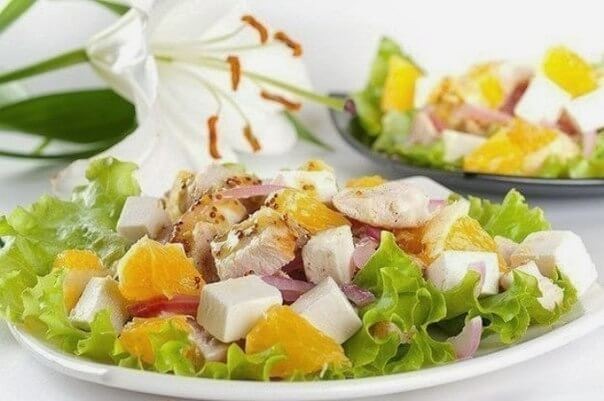 Салат с апельсинами куриным филе