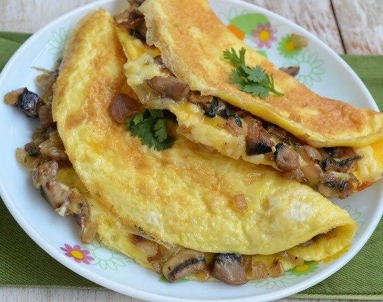 Грибной омлет на завтрак