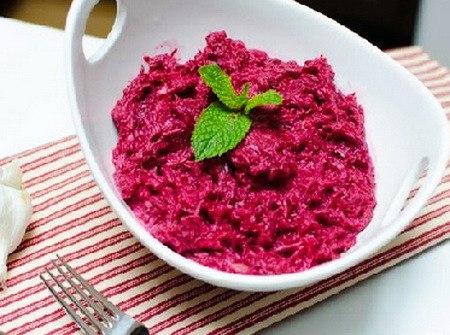 Салат для похудения с тунцом и свеклой