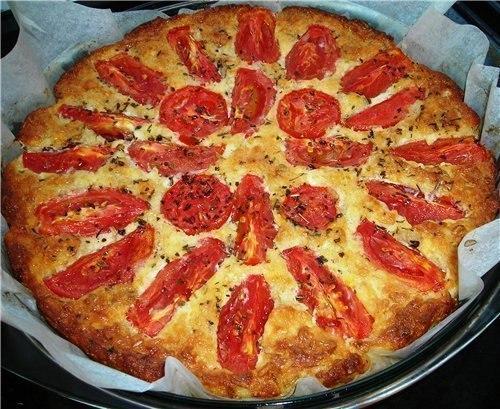 Творожная запеканка с томатами и чесноком