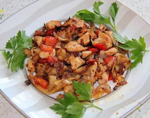 tushenoe-kurinoe-file-s-ovoshhami-fitnes-obed
