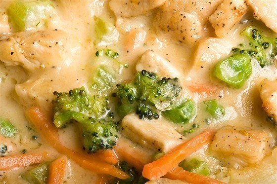 Филе индейки с брокколи в сливочном соусе