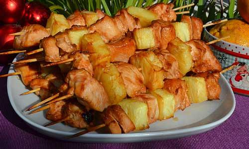 Шашлык в духовке из курицы и ананаса