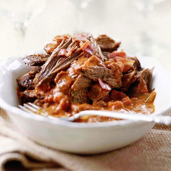 Вкуснейшая тушеная говядина в томатном соусе