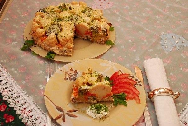 Запеченый торт из куриного фарша и цветной капусты