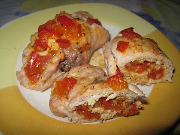 Куриный рулетики с болгарским перцем