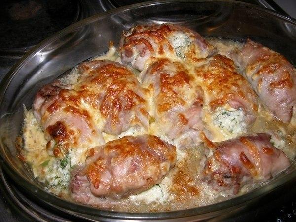 Рулетики из куриного бедра с начинкой рецепт в духовке
