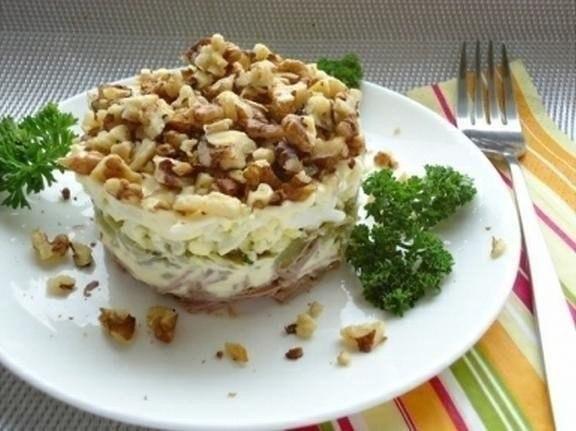 Рецепт салат с говядиной грецким