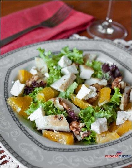 Салат из курицы с фетой и апельсинами