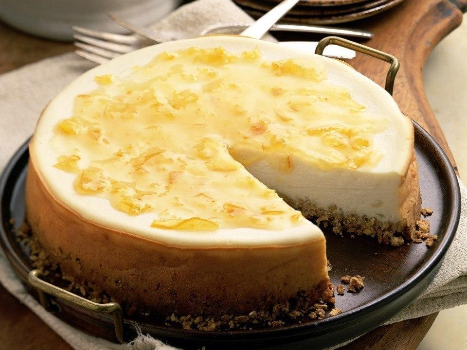Низкокалорийный кремовый торт без выпечки